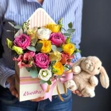 Цветочный конверт №1 из пионовидных роз, эустомы