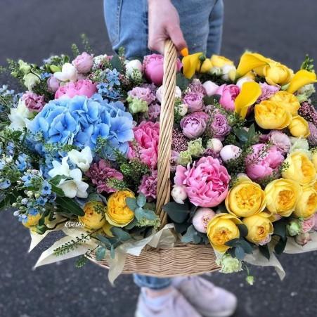 Basket of flowers №11