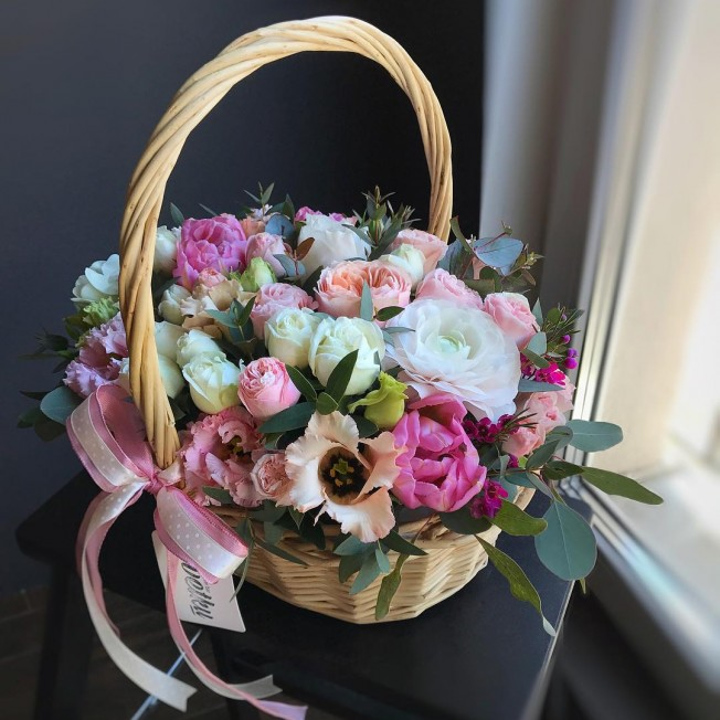 Basket of flowers №6