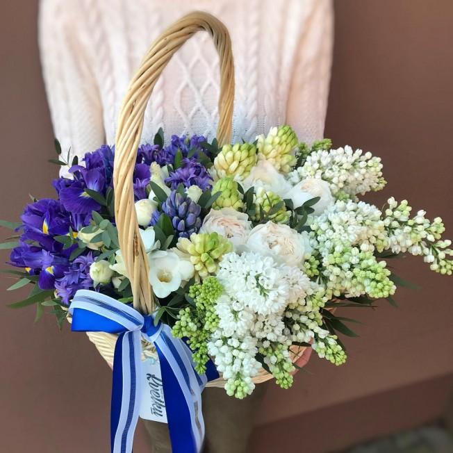 Basket of flowers №7