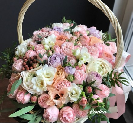 Basket of flowers №4