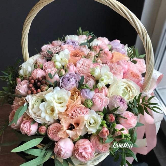 Basket of flowers №4
