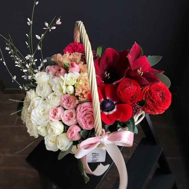 Basket of flowers №5