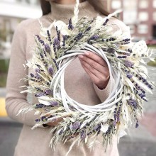 Wreath of dried flowers