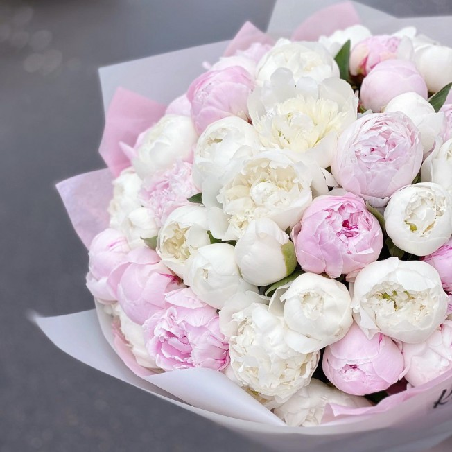 Bouquet of peonies - 51 pc