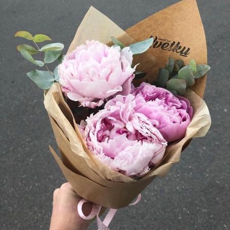 Bouquet of peonies Sarah Bernhardt - 3 amount