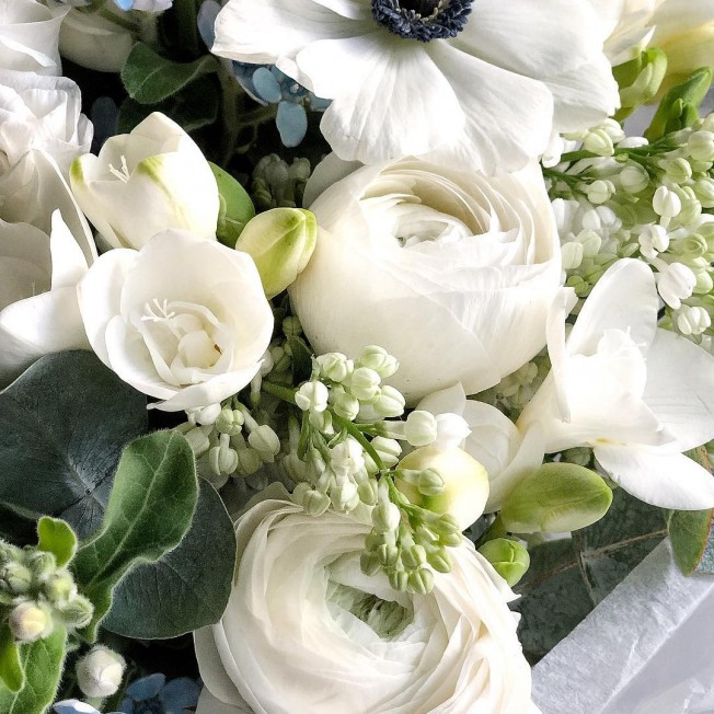 Bouquet of flowers №25 of lilac, ranunculus, eustoma, anemone