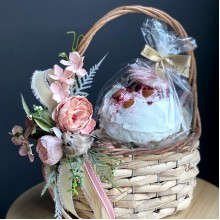 Easter basket - Kulich is not included in the price